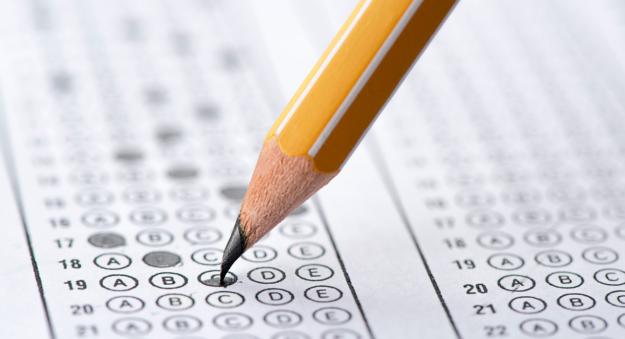 Algoritmos que corrigen exámenes, ¿es posible engañarlos?