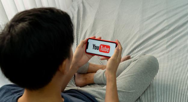 Youtube da marcha atrás: Evita la IA para moderar el contenido